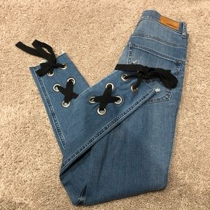 NWT Express jeans Size 4 Super high Rise